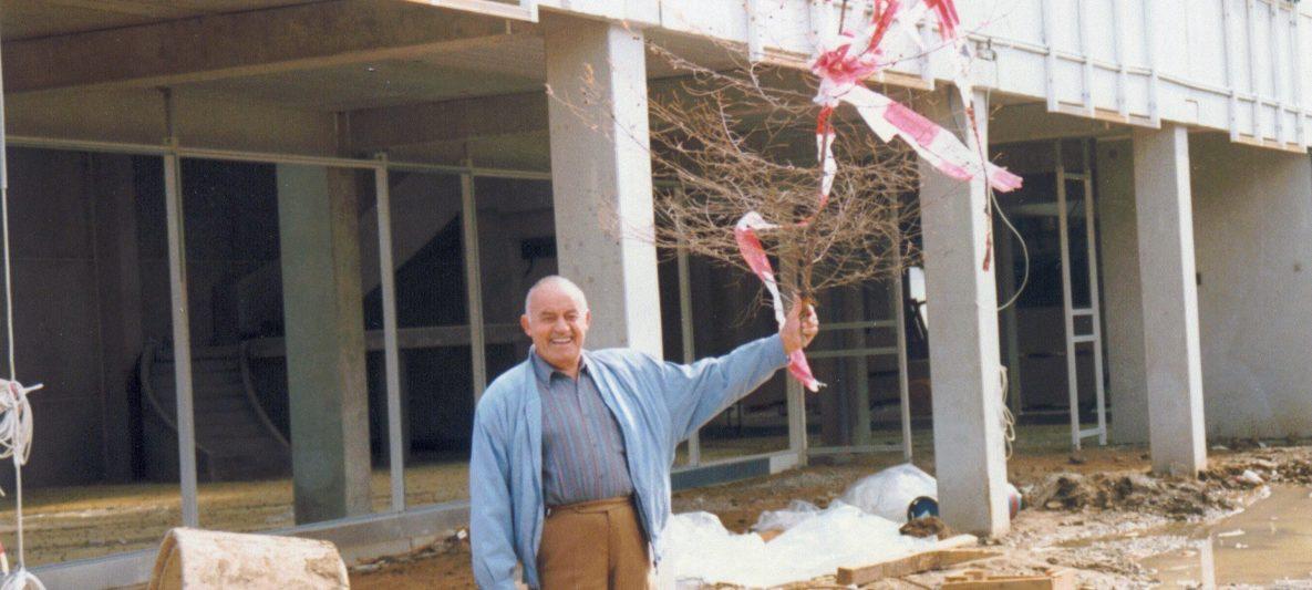 Josef Mann sen. sen. 1992 beim Richtfest des neuen Service-Hauptgebäudes