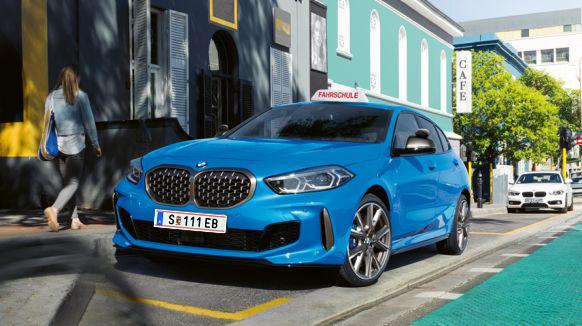 der neue BMW 1er in Blitzblau mit M-Paket