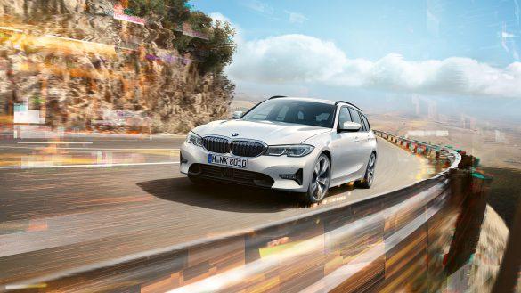 BMW 3er Touring von links vorne