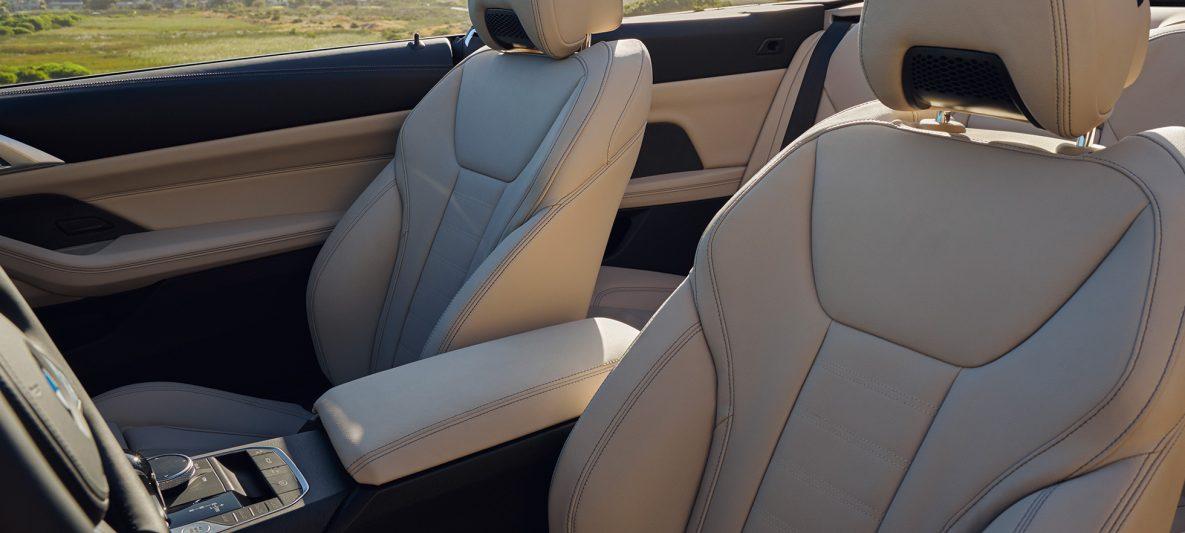 BMW 4er Cabrio G23 2020 Sanremo Green metallic Innenraum Mittelkonsole und Sitze