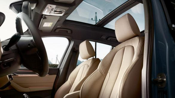 BMW X1mit Panorama-Glasdach Interieur