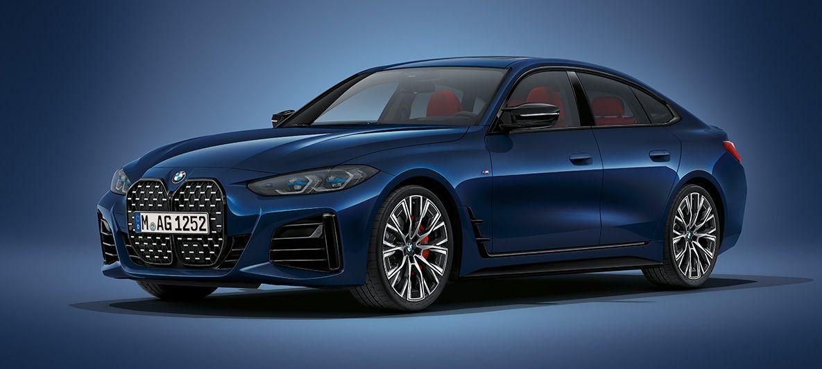 BMW 4er Gran Coupé G26 2021 BMW Individual Tansanitblau metallic Dreiviertel-Frontansicht stehend